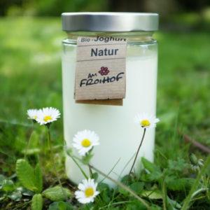 Naturjoghurt 550g stichfest kalbfreundlich vom Froihof