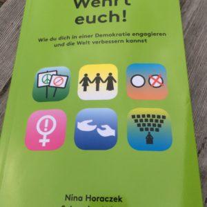 Buch 'Wehrt euch!' von Nina Horaczek und Sebastian Wiese