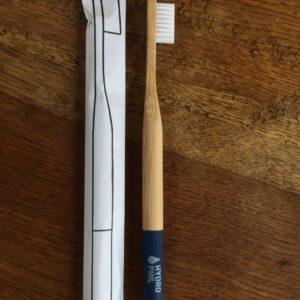Zahnbürste aus Holz